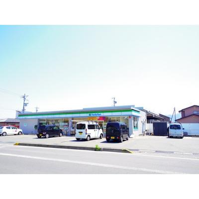 コンビニ「ファミリーマート長野松岡店まで504m」