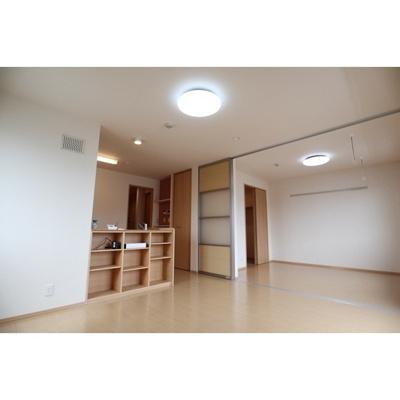 【居間・リビング】サンフラワー広田 B棟
