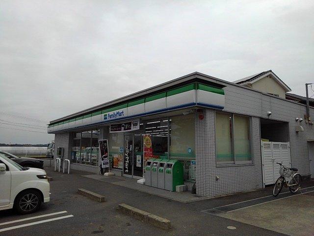 ファミリーマート鈴鹿岡田店まで850m
