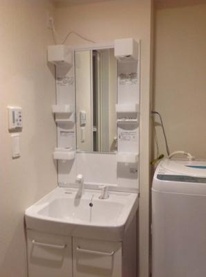 シャンプードレッサーの独立洗面台完備