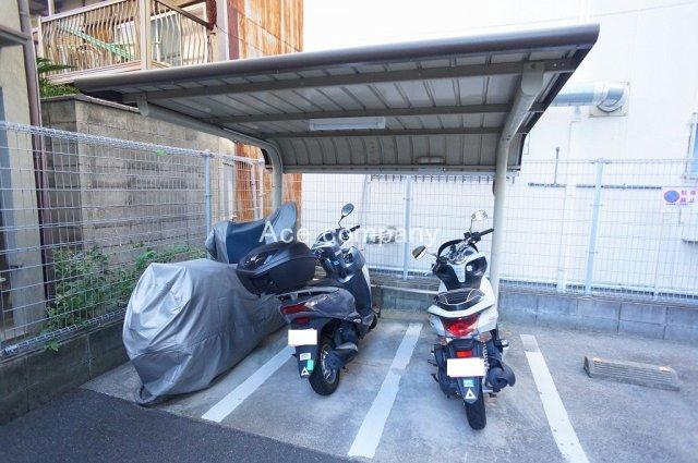 【バイク置き場】