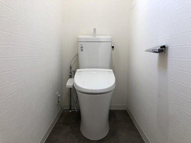 トイレ交換済です。