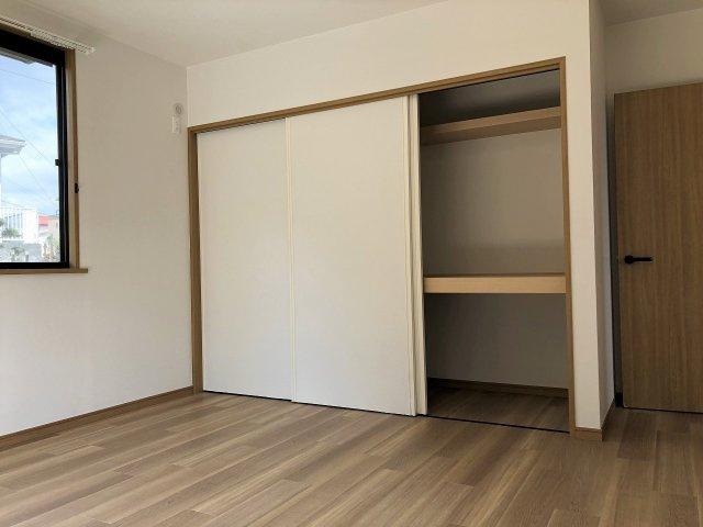 全居室収納付きです。