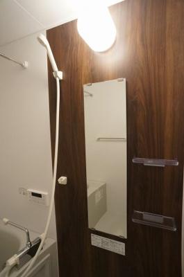 清潔感のある浴室です。追い炊き機能・浴室乾燥暖房機能付き