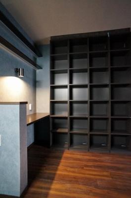 洋室との境のスライドドアを開けると開放的な空間を作る事が出来ます。