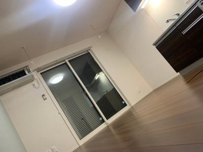 【洋室】西小泉駅 南矢島町 3階建