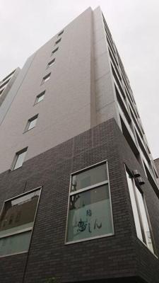 「馬車道」駅より徒歩2分の駅チカ築浅マンションです。