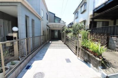 2005年5月建築♪約46.78坪の敷地に建つ3LDK住宅です!カースペース2台分有(車種による)!