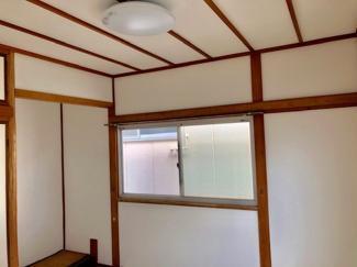 2階洋室、照明器具付き