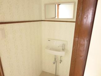 トイレの手洗い場も新品に交換しています