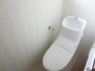 新品のウォシュレット付き水洗トイレ