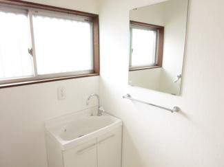 脱衣室の洗面台