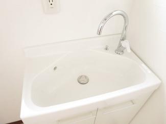 洗面台新品です