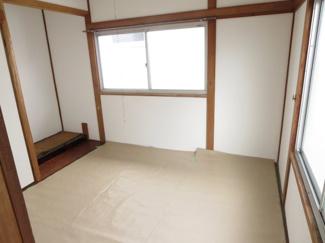 2階の和室、畳交換しています。