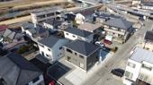 甲府市伊勢 新築戸建全3棟 2号棟 車3台 広々バルコニーの画像