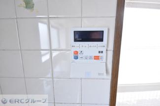 給湯器のスイッチがキッチンに有ります。