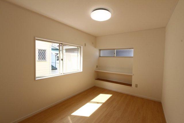 2階居室は4部屋とキッズルームやテレワークスペースにも活用できます。こちらのお部屋は将来のスタイルに合った間取り変更も可能です。