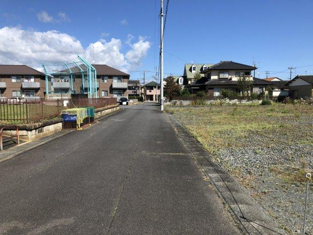 【前面道路含む現地写真】錦町中央2丁目 売土地