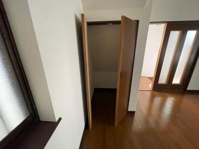 1階階段下 収納