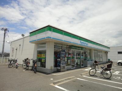 ファミリーマート多治米二丁目店(コンビニ)まで674m