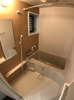 お風呂の写真です♪ 浴室乾燥機付きお風呂ですよ♪