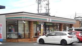 セブンイレブン高浜田戸町店まで350m