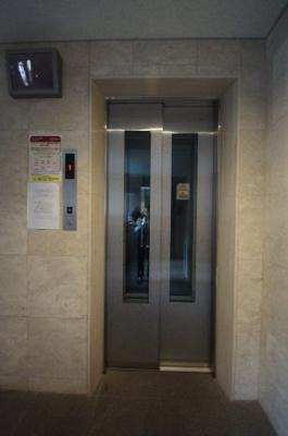 「エレベータあります」