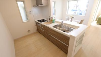 使いやすいキッチンです 三郷新築ナビで検索