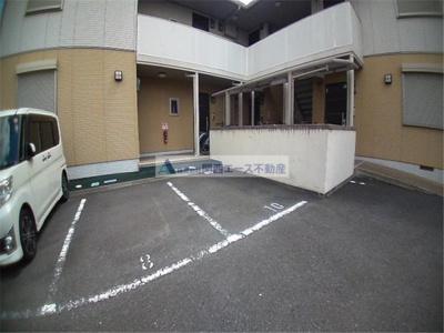 【駐車場】ヴィラロイヤルシティーⅡ