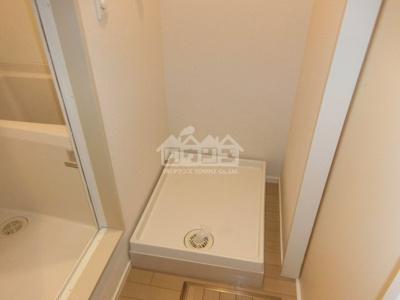 同建物反転間取り参考写真室内洗濯機置場・アンビエンス