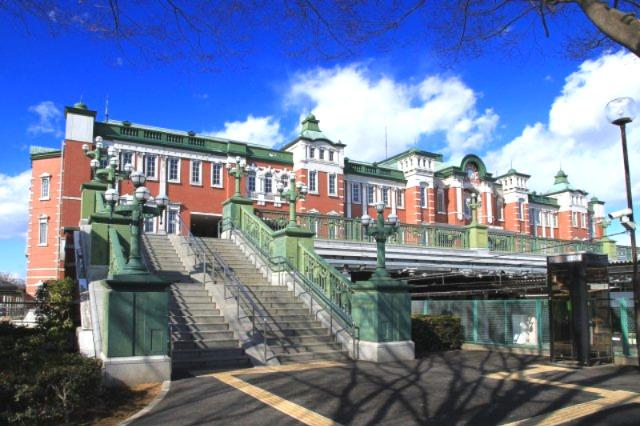 JR高崎線「深谷」駅~東京の赤レンガ駅舎に似ていることからミニ東京駅と呼ばれており、赤レンガ風の美しい外観が関東の駅百選に選ばれている。