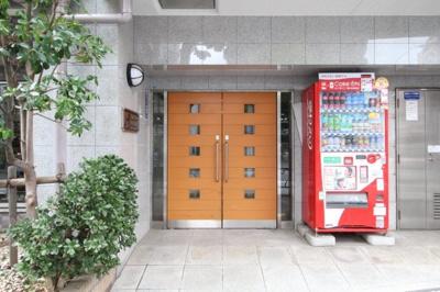 【エントランス】スカイコート神楽坂第2