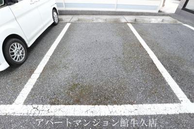 【駐車場】ヴィザージュ