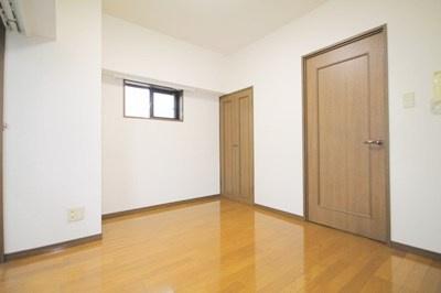 室内です。(※別室写真参照)