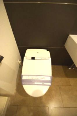 温水洗浄便座つきトイレ