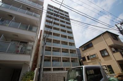 「阪東橋」駅より徒歩4分の築浅分譲賃貸マンションです。