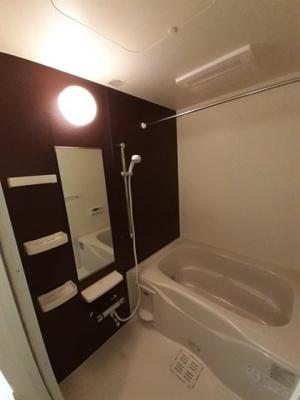 【浴室】アヴニール神宮前