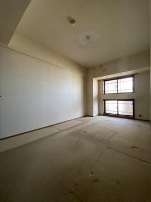 ~室内写真~ 広々とした洋室です。