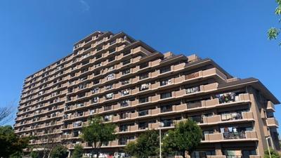 ~外観写真~ 総戸数230戸のコミュニティマンションです。
