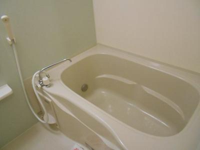 バストイレ別、浴室乾燥機付き。