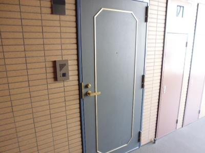 【玄関】トーシンフェニックス新高円寺クアトロ