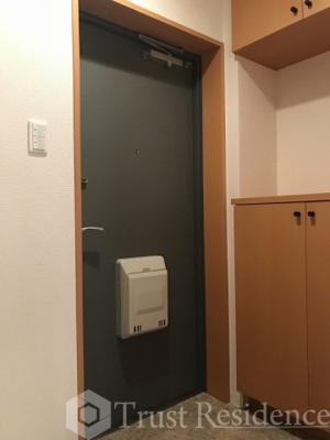 【玄関】イーストコート平野