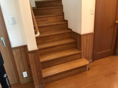 階段幅も1.1mと広くとっています