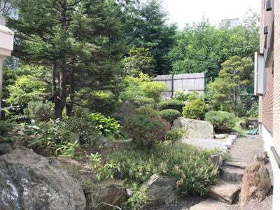 南面に広々としたお庭あり