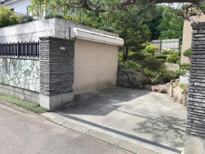 車庫+ロードヒーティングスペース・駐車2台可能