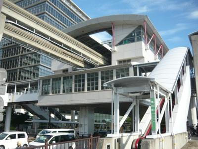 沖縄都市モノレール壺川駅まで1500m