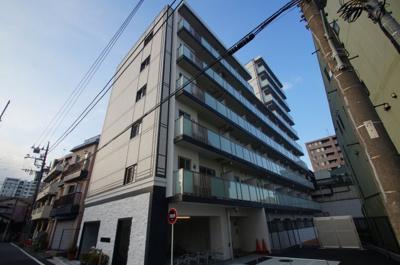 京浜急行電鉄空港線「大鳥居」駅より徒歩6分のマンションです。