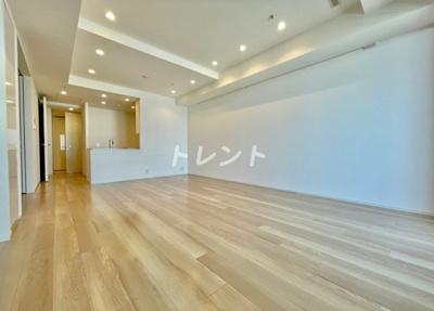 【居間・リビング】富久クロスコンフォートタワー【TomihisaCrossComfortTower】
