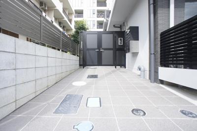 【エントランス】天現寺ハウスR