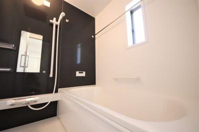 7号棟 落ち着いた空間のお風呂です